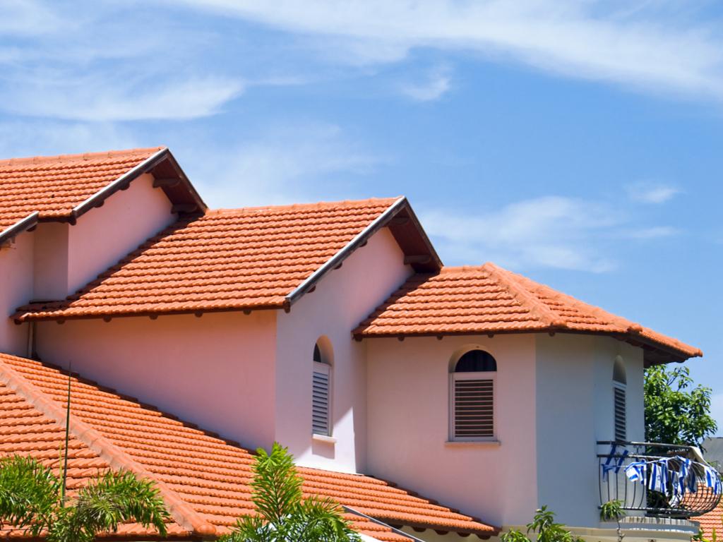 Por que pintar telhado com resina acrílica impermeabilizante