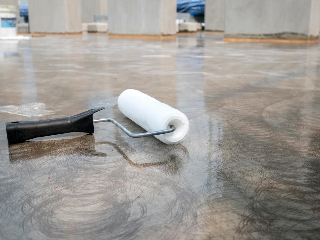 rolo para pintar piso de cimento